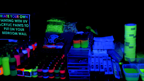 don-burke-glow-budgie-party-items