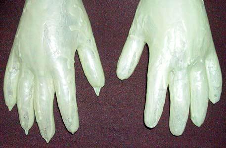 glow-hands-4904.jpg